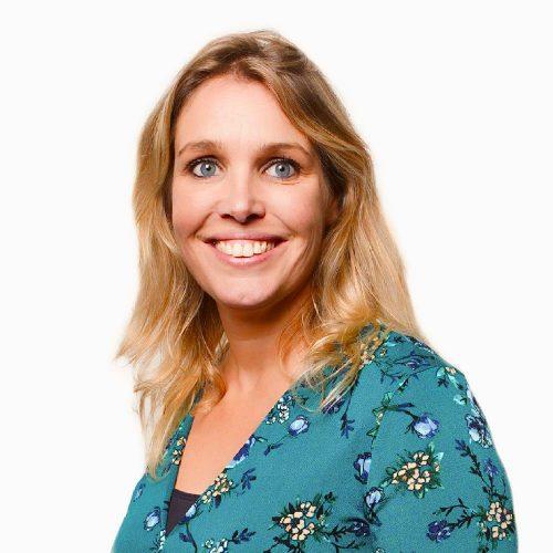 Frontoffice medewerker Esther Vereecken van Human Concern